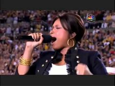 8 Best National Anthem Performances 2015 - Top Star Spangles Banner Super Bowl Shows Best National Anthem, National Anthem Meaning, Singing The National Anthem, What Is Patriotism, Motivational Music, Army Usa, Pe Games, Music Sites, Star Spangled Banner