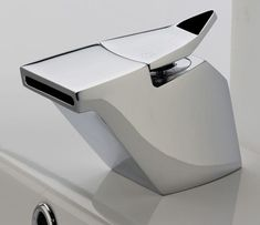 compact modern tub faucet  Lara Michelle  http://www.laramichelle.com/