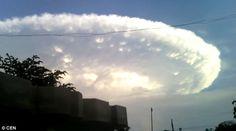 世界終了 コロンビアに超巨大UFO出現
