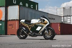 Ducati Supersport, Ducati 900ss, Ducati Cafe Racer, Small Cars, Custom Motorcycles, Scrambler, Retro, Antique Cars, Bike