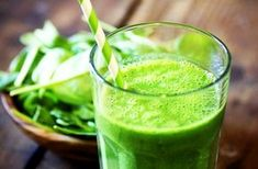Batido verde diet e sucos green drink recipes, mint smoothie y green breakf Weight Loss Smoothies, Healthy Smoothies, Healthy Drinks, Healthy Eating, Superfood Smoothies, Detox Smoothies, Green Superfood, Healthy Shakes, Healthy Fit