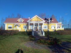 Kartanotalot Mansions, House Styles, Home Decor, Decoration Home, Manor Houses, Room Decor, Villas, Mansion, Home Interior Design