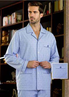 PIJAMA HOMBRE manga larga en tono azul. Combina dibujos corbateros. Estilo clásico, corte tipo camisa. Botones. Envío 24/48h. + modelos varelaintimo.com