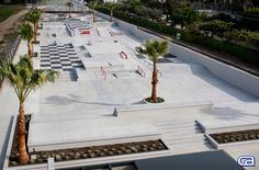 Vans-skatepark-Huntington-beach-Concrete-Sk8-Plaza-California-Skateparks-Sk8-Facilities