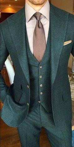 Confira 12 Fotos de Noivo com Traje Verde…. #menweddingsuits