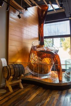 Best Distilleries to Visit on the Kentucky Bourbon Trail - Travel tips - Travel tour - travel ideas Vacation Places, Vacation Trips, Vacation Spots, Travel Tours, Travel Usa, Evan Williams Bourbon, Bourbon Tour, Whiskey Trail, Kentucky Vacation