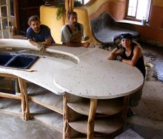 Yup, this is the kitchen shape of the counter from my dream. Gorgeous kitchen island in cob house