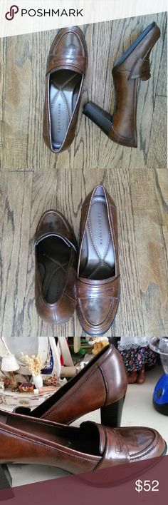 "Women dress shoes ~ "" apostrophe "" Very comfortable dress shoes. ~ color: brown.  ~ size USA 9. Apostrophe Shoes"