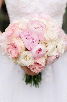 A pretty pastel bouquet for a garden wedding.
