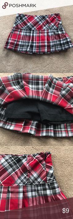 Girls plaid skort Plaid skirt with built in black knit shorts underneath.  Side zip.  Pleated. Xhilaration Bottoms Skorts