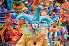Carnaval de Sitges, Parades colorées et masques