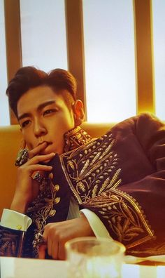 Find images and videos about top, big bang and bigbang on We Heart It - the app to get lost in what you love. Daesung, Top Bigbang, K Pop, Doom Dada, Rapper, Big Bang Kpop, Top Choi Seung Hyun, Military Looks, Bigbang G Dragon