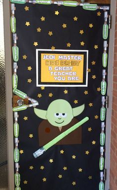 Superstars Which Are Helping Individuals Overseas Teacher Appreciation Door 2016 - My Take On The Star Wars Theme. Each Kiddo Wrote Kind Words On A Lightsaber. Star Wars Classroom, Classroom Themes, Teacher Appreciation Week, Teacher Gifts, Decoracion Star Wars, Star Wars Party Decorations, Teachers Week, Teacher Doors, Teachers' Day