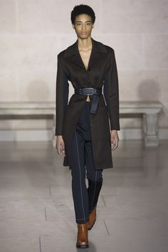 Louis Vuitton Fall 2017 Ready-to-Wear Fashion Show Collection