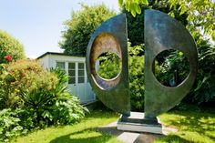 The Barbara Hepworth Museum and Sculpture Garden in St Ives makes for a fascinating visit. Explore the artist's studio and see Hepworth's giant bronze sculptures displayed in the garden Barbara Hepworth, Abstract Sculpture, Sculpture Art, Sculpture Garden, Metal Sculptures, Bronze Sculpture, Famous Sculptures, Outdoor Sculpture, Outdoor Art