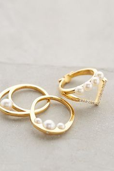 Pearl rings by Gold Philosophy