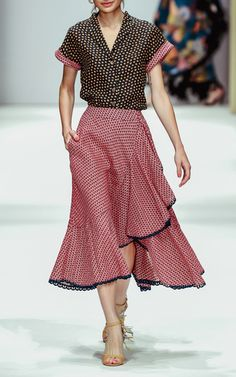 Get inspired and discover Lena Hoschek trunkshow! Shop the latest Lena Hoschek collection at Moda Operandi. Perfect Wardrobe, Mixing Prints, Silhouette, High Waisted Skirt, Fashion Show, Spring Summer, Short Sleeve Dresses, Summer Dresses, My Style