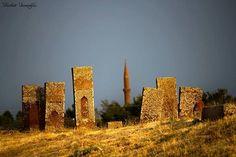 Bitlis - Ahlat Selçuklu Mezarlığı (Dünyanın en büyük İslam Mezarlığı)  Fotoğraf: Ferhat İnanoğlu