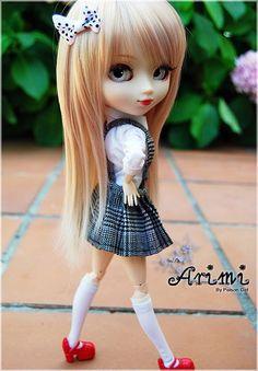 Pullip é um collectible boneca da moda criado por Cheonsang Cheonha da Coreia do Sul em 2003. Pullip tem uma cabeça grande em um ...