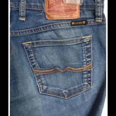 """Lucky Brand jeans Sweet N' Low style. 80% cotton, 18% polyester & 2% spandex. Waist- 30"""", Inseam- 31"""", Rise- 8"""" Lucky Brand Jeans Boot Cut"""