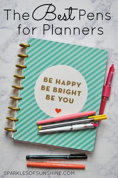 Want to know which pens to use for your weekly and monthly planning? Discover the best pens for planners that won't bleed, smear or dry out.