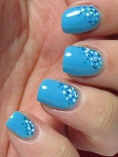Blue polka dot Nail Art