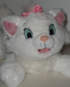 Did you love Disney's Aristocats? How about this adurable plush Marie cat? #cats #aristocats #disney