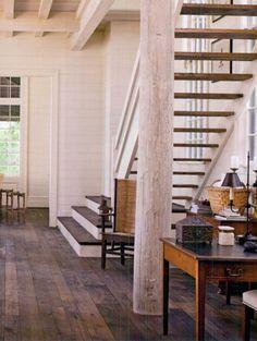 Modern take on farmhouse staircase {BillIngram}