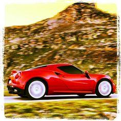 Alfa Romeo 4C: Just Drive Extraordinary performance, unique handling, extreme aerodynamics and design that takes up the stylistic features of the #AlfaRomeo tradition. #4C #Alfa4C #AlfaRomeo4C