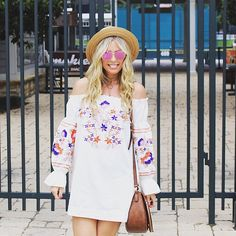 #TheBlogBar member @thesuestylefile has the most AMAZING style! Check out her blog for fashion inspiration and tips!