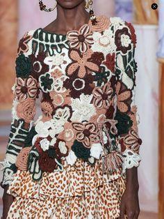 Crochet T Shirts, Crochet Clothes, Irish Crochet, Knit Crochet, Crotchet Dress, Ulla Johnson, Crochet Fashion, Crochet Flowers, Fashion Details