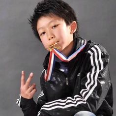 Minghao predebut. AHHHHHHHHHHHH WHAT IS MY CHILD DOING?