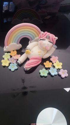 Cute edible  fondant fat unicorn cake decoration, cake topper by Jessieallancakes on Etsy https://www.etsy.com/listing/587050796/cute-edible-fondant-fat-unicorn-cake