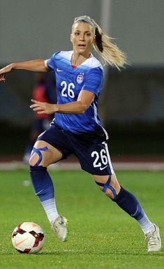 8b28053b5e6 julie johnston - Google Search Athletic Fashion, Athletic Women, Us Soccer,  Soccer Tips