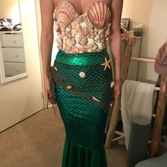 Shop Women's Handmade Green Cream size S/M Other at a discounted price at Poshmark. Description: DIY Custom Mermaid Costume Corset - fits 32-36 B-C Skirt - size small includes extra shells, accessories and net $350. Sold by shanbee92. Fast delivery, full service customer support.
