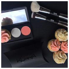 Matching your cupcakes with your makeup? Well played @klaracosmetics #thecupcakequeens #cupcakespoils
