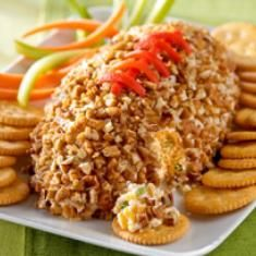 football shaped cheese ball for game day or a superbowl party. Tailgating Recipes, Tailgate Food, Football Recipes, Football Tailgate, Football Baby, School Football, Alabama Football, Clemson, Football Snacks