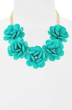 Free shipping and returns on Stephan & Co. Flower Statement Necklace (Juniors) at Nordstrom.com. Faceted ivory stones are artfully arranged around crystal centers to form elegant blooms on a statement necklace.