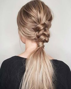 21 Cute Hairstyle Ideas for the Holidays: #17. HALF BRAID; #braidedhairstyles; #braids