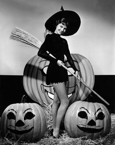 Halloween pinup Cyd Charisse