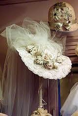 ღღ ღ¸¸. No such thing as too much Frill… Victorian Hats, Victorian Fashion, Vintage Fashion, Victorian Cottage, 1930s Fashion, Fashion Fashion, Vintage Style, Tea Party Hats, Tea Hats