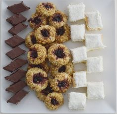 Prajitura Raffaello - Rețete Papa Bun Doughnut, Desserts, Food, Raffaello, Tailgate Desserts, Deserts, Essen, Postres, Meals