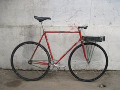 Touring Bicycles, Touring Bike, Bici Fixed, Paint Bike, Rat Bikes, Bicycle Types, Fixed Gear Bicycle, Speed Bike, Pro Cycling