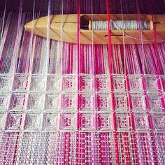 Waffle weave by Ilse Acke.
