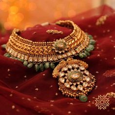 Ultimate 35 Gold Necklace Designs Images Of This Year South India Jewels Jewelry Model, Jewelry Sets, Gold Jewelry, Jewelery, Fine Jewelry, Jewelry Making, Bridal Necklace, Wedding Jewelry, Gold Necklace