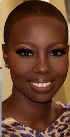 Simple Makeup Ideas for Black Women Dark Skin Beauty, Hair Beauty, Real Beauty, Black Beauty, Short Hair Cuts, Short Hair Styles, Bald With Beard, Bald Hair, Bald Women