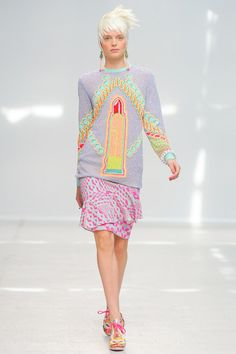 See the complete Manish Arora Spring 2014 Ready-to-Wear collection.