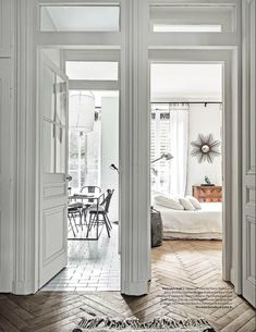 This gorgeousapartment in the 5th arrondissement of Paris has the perfect  balance of modern and vintage. Very restrained with the perfect amount of  furniture and accessories it is ultra sophisticated without being stuffy in  any way. Shown in the white issue of Elle Decor this monthit is one of the  my new favourite apartments!  photos: Felix Forest/Living Inside for Elle Decor    Enjoy!  Trudy  xx  photos Felix Forest/ Living Inside