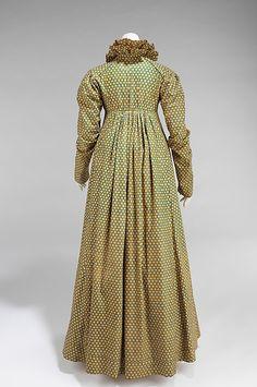 Metropolitan Museum of Art, Item 2009.300.943 Dress c1815, cotton, american