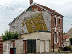 Les murs peints s'affichent: Murs samariens à Moreuil (80)
